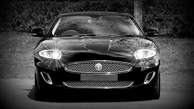 svítící auto.jpg