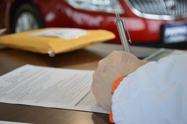sepisování smlouvy