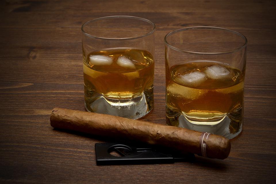 whisky a doutník